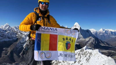 Un poliţist din Brad a cucerit vârful Island Peak, din Munţii Himalaya