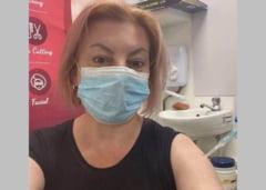 """Un politician din Basarabia s-a fotografiat la vaccinare cu seringa avand capacul pus. Comentarii acide: """"In rest, totul e bine"""""""