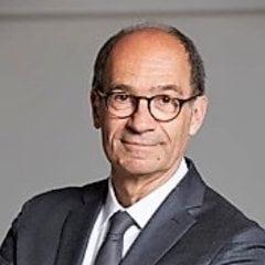Un politician francez este acuzat ca a trucat o poza de pe Mont Blanc si tot Internetul rade de el