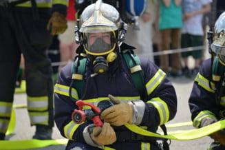 Un pompier din judetul Valcea a murit de COVID-19. Starea i s-a agravat dupa ce ramasese initial la domiciliu