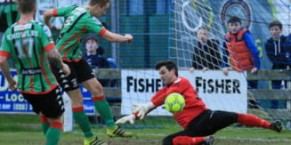 Un portar din Irlanda de Nord a marcat un gol fabulos in prima liga (Video)