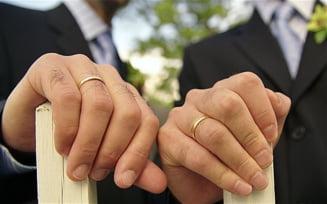 Un preot catolic a anuntat la slujba ca este homosexual - care a fost reactia enoriasilor
