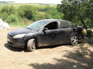 Un primar a încercat să mușamalizeze accidentul făcut cu mașina Consiliului Județean. A căzut cu ea în șanț și a ascuns-o în boscheți