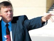 Un primar ii ameninta cu demiterea pe directorii de scoli - vezi motivul