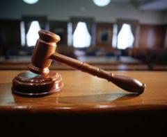 Un primar s-a dat singur in judecata, pentru ca si-a scazut salariul