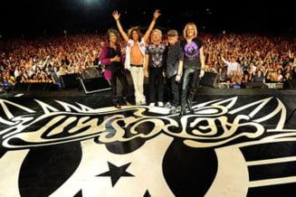 Un psihiatru din Iasi cere daune de un milion de euro unei companii aeriene pentru ca a pierdut ultimul concert al trupei Aerosmith