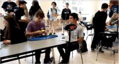 Un pusti a depasit recordul mondial in rezolvarea cubului Rubik - Are o viteza naucitoare (Video)