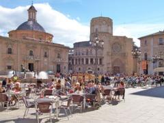 Un roman a distrus altarul unei biserici si a ranit un politist, in Valencia