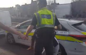Un roman a incercat sa-i scuipe si sa-i muste pe politistii irlandezi: Le-a spus ca are coronavirus si ca e mafiot