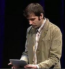Un roman l-a ajutat pe Steve Jobs sa lanseze iPad (Video)