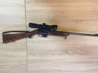 Un salajean a ramas fara armele si munitia detinute ilegal si s-a ales cu dosar penal
