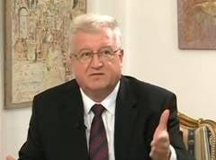 Un senator si-a dat demisia din PSD: Am incercat sa lupt impotriva politicii clan mafiot
