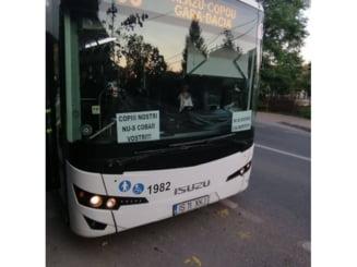 Un sofer CTP a postat mesaje anti-vaccin in parbrizul autobuzului!