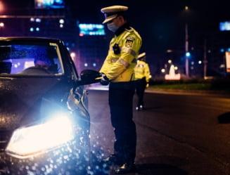 "Un sofer agresiv a coborat din masina sa se bata cu un alt barbat. Intre timp, masina ""a plecat"" singura pana intr-un semafor"