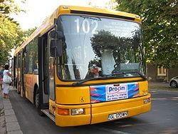 Un sofer de autobuz a facut infarct la volan si a intrat in 5 masini