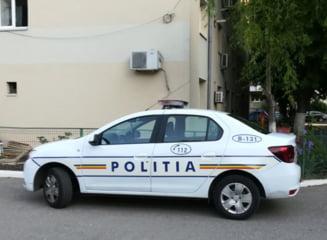 Un sofer urmarit de politisti a accidentat doi pietoni