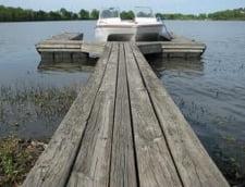 Un student roman s-a inecat intr-un lac din SUA