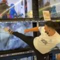 Un suporter rival din Franța a spart televizoarele într-un magazin de supărare că Messi va juca pentru PSG VIDEO