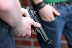 Un tanar a tinut ore intregi un ostatic intr-o banca din Austria, cu arme si explozivi falsi