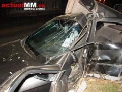 Un tanar teribilist a murit dupa ce a intrat cu BMW-ul intr-un copac, la Targu Lapus