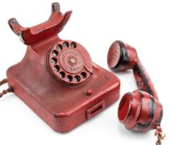 Un telefon care i-a apartinut lui Hitler a fost vandut cu 243.000 de dolari