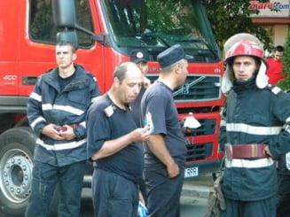 Un timisorean s-a aruncat de pe bloc, sub ochii pompierilor veniti sa-l salveze