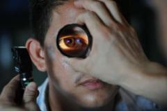 Un tratament experimental cu celule stem a redat vederea unor pacienti