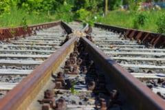 Un tren a deraiat in Italia: Un roman a murit si altul este in spital (Foto)