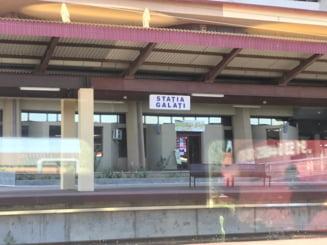 Un tren a plecat cu doua ore intarziere, s-a oprit in camp si apoi s-a intors in gara - Un film prost cu CFR Calatori