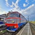 Un tren de Craiova fără aer condiționat are peste 140 de minute întârziere. Călătorii se plâng de temperatura sufocantă