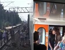 Un tren plin cu copii care se intorceau de la mare a ramas blocat 10 ore in camp. Nu aveau nici apa, nici mancare
