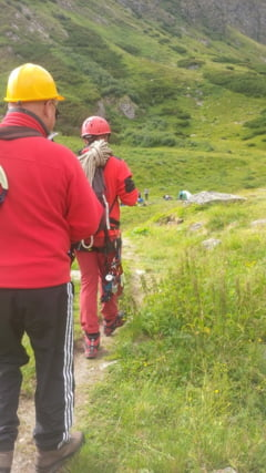Un turist a murit in Muntii Rodnei. Salvamontistii nu au putut interveni pentru ca au masinile puse sub sechestru UPDATE