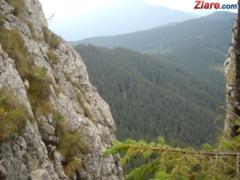 Un turist care facea mountain biking a cazut intr-o prapastie in Bucegi - UPDATE