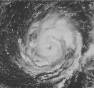 Un uragan format in Atlantic se indreapta spre Europa