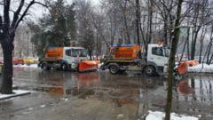 Un utilaj de deszapezire a lovit o masina la Suceava si a facut 4 victime