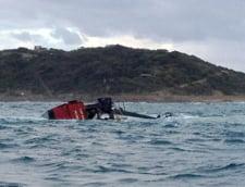 Un vas de pescuit s-a rasturnat in largul Australiei - pericol de poluare (Video)