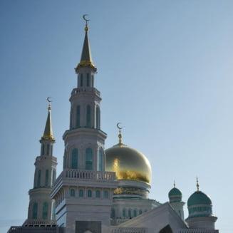 Una dintre cele mai mari moschei din Europa a fost inaugurata la Moscova