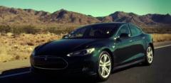 Unele automobile Tesla ar accelera neintentionat, chiar si daca sunt oprite - autoritatea din SUA analizeaza plangerile