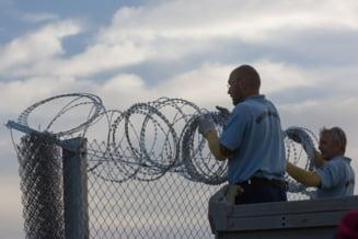 Ungaria vrea sa construiasca un gard metalic si la frontiera cu Romania