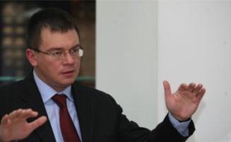 Ungureanu: Privatizarea Cupru Min, o gaura neagra, vanduta de patru ori mai scump decat face