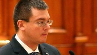 Ungureanu candideaza la parlamentare (Video)