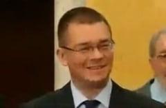 Ungureanu l-a felicitat pe fostul ministru PNL al Culturii