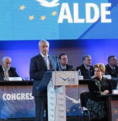 Unic candidat, Calin Popescu Tariceanu a fost ales presedintele ALDE