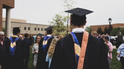 Universitățile din București au anunțat în ce format vor începe cursurile. Soluția pe timp pe pandemie