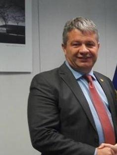 Universitatea de Vest propune retragerea titlului de doctor in cazul fostului ministru Florian Bodog