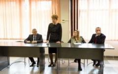 """Universitatea din Petrosani / Conferinta de lansare a proiectului """"DINAMIC - optimizarea ofertelor de studii din invatamantul tertiar universitar si non-universitar tehnic in sprijinul angajabilitatii persoanelor defavorizate"""""""