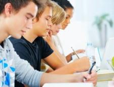 Universitatile practica taxe exagerate sau inutile, cred 82% dintre studentii romani