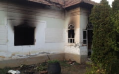 Unui barbat i-a fost incendiata casa pentru ca adapostea oameni ai strazii. Incendiatorul a fost identificat