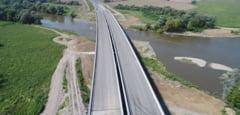 Unul dintre cele mai frumoase poduri din Romania e pe autostrada Lugoj - Deva. Foto si video