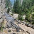 Unul dintre cele mai iubite trasee turistice din Bucegi, distrus de viitură